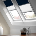 STORE VELUX DUO OCCULTANT ET TAMISANT S08 114X140 BLEU FONCE 1100