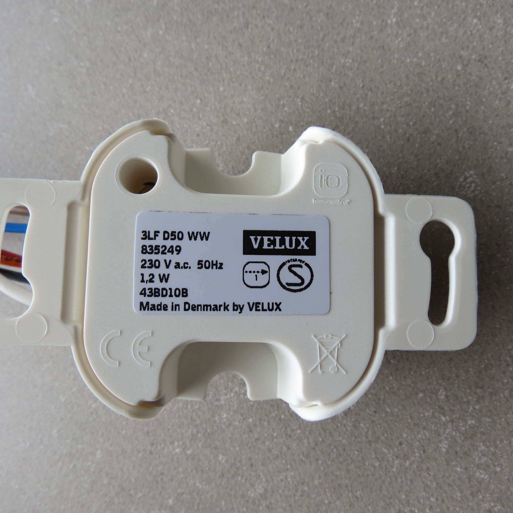 VELUX Interface INTEGRA KLF 100 io - La Boutique du Volet 1aa56e6fd578